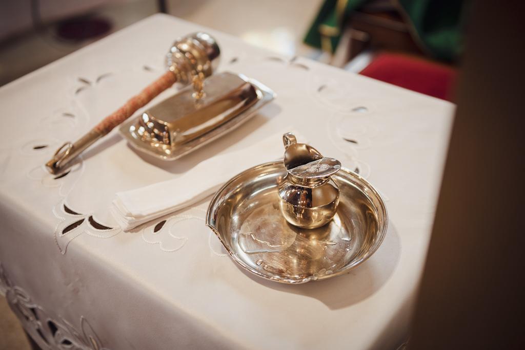 Liturgiczne naczynia chrzcielne
